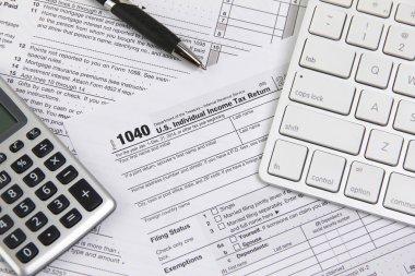 Filing online taxes before deadline
