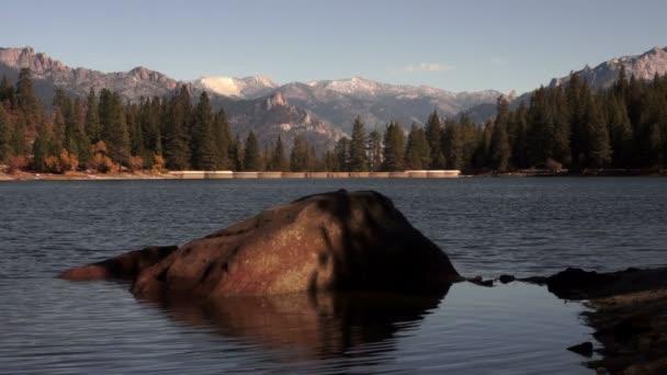 Jezero Hume krále řeky nádrž Sequoia National Forest