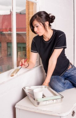 Hip Woman Painting Tools Brush Roller Window Frame