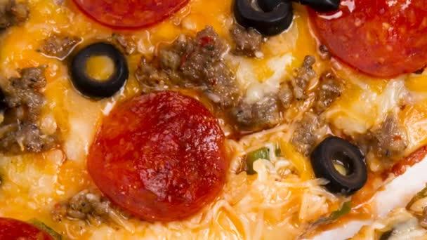 φέτες πίτσα νωπά κρεατικά ανώτατο ζεστό φαγητό κομμάτι λευκό