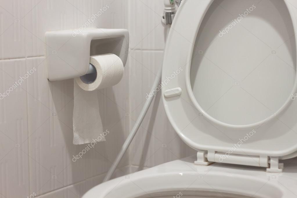 Wc rollenhalter in weiß wc u2014 stockfoto © saknakorn #56825031