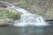 cascata, effetto seta. cascata in autunno