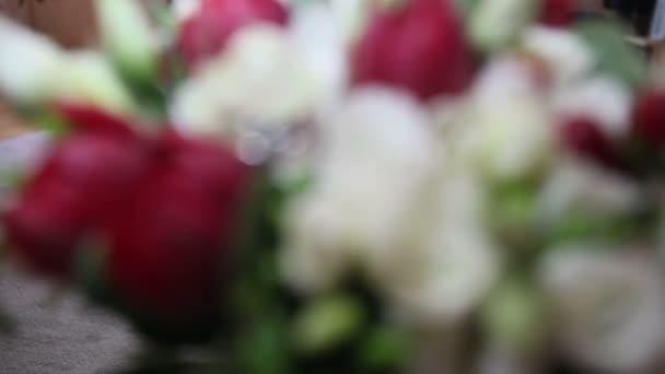 snubní prsteny na růže