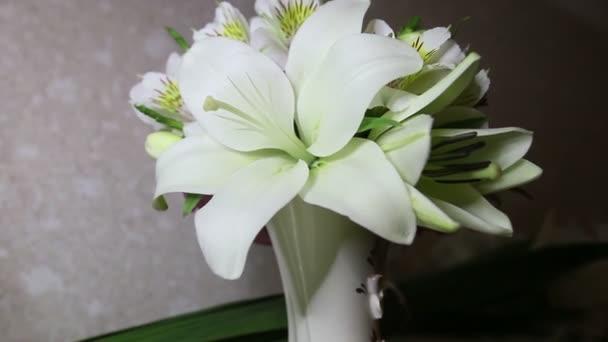 Svatební kytice květů lilie