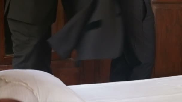 öltözködés szmoking, vőlegény