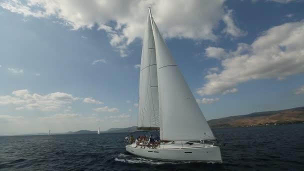 Vitorlások részt vitorlázás regatta 12 Ellada őszi 2014 Égei-tenger