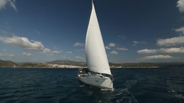 Vitorlások részt vitorlázás regatta 12 Ellada őszi 2014 Égei-tenger.