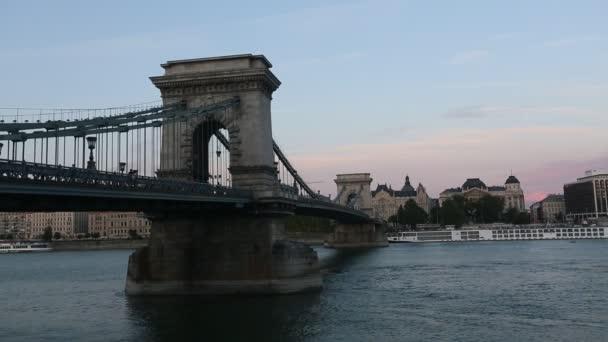 Duna és a Lánchíd, Budapest