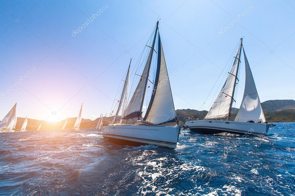 Sailing in the wind through the waves