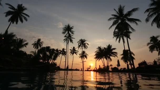 Beautiful sunset at  beach r