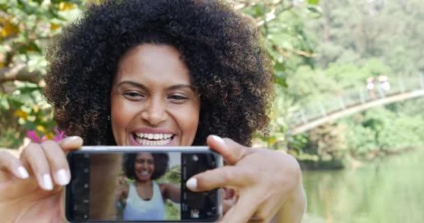 žena s selfie fotky