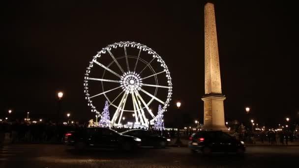 Ruské kolo na náměstí Concorde v Paříži
