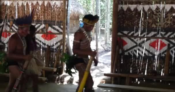 Natív brazilok, ezzel a rituális, egy bennszülött törzs az Amazonas
