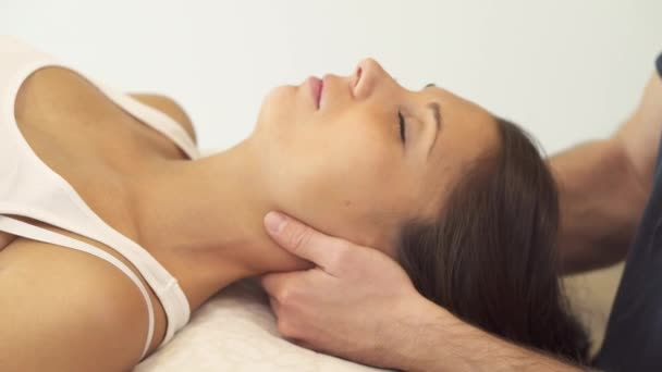 fyzioterapie po krku
