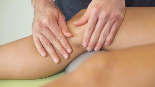 masážní straně vnitřní koleno