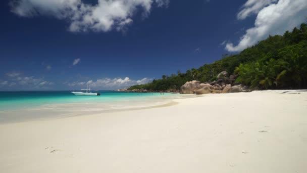 relaxační písečná pláž