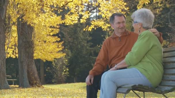 starší pár na Netlogu