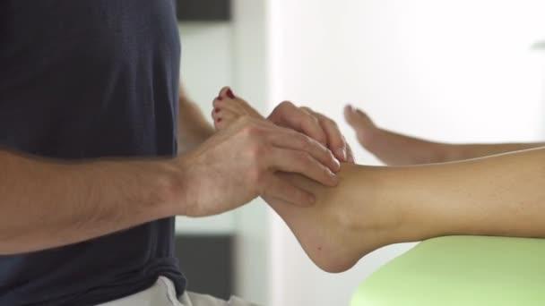 fyzioterapie, ženské nohy