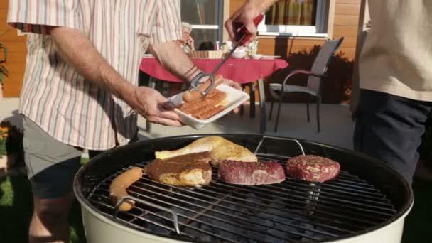 zblízka barbecue zahrada