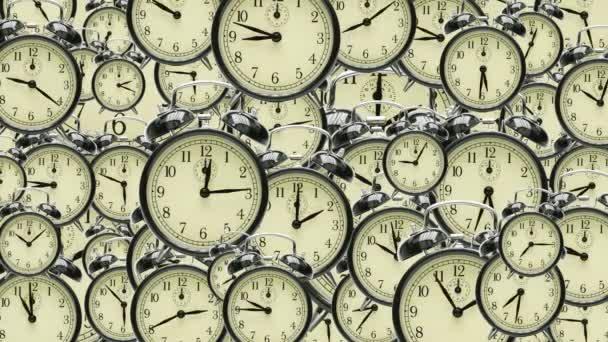 mnoho hodin s různými časy