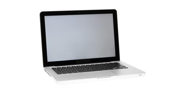 notebook s jasnou obrazovkou