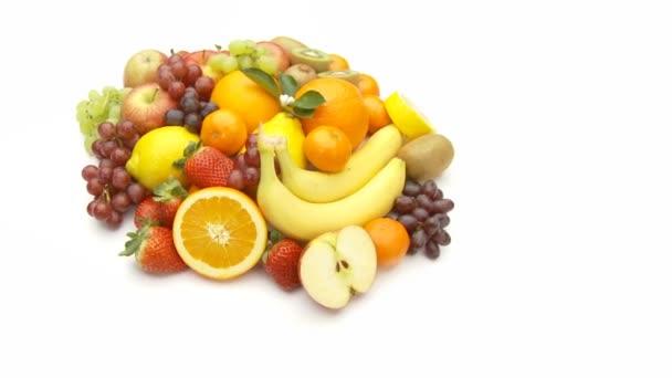 větší hromadu ovoce