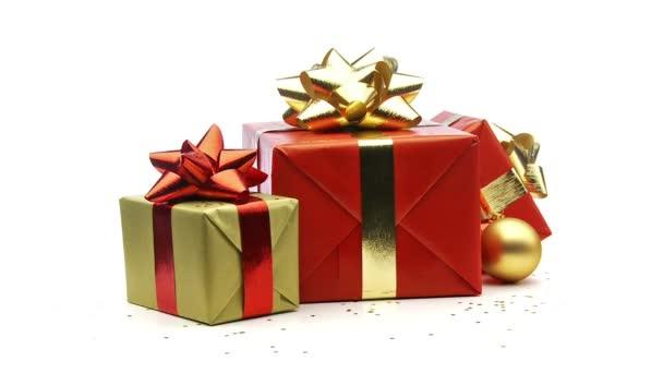 vánoční dárky opakování na bílém pozadí