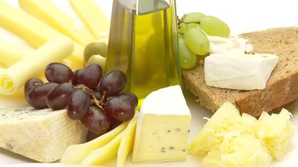 sýrový talíř s olivovým olejem
