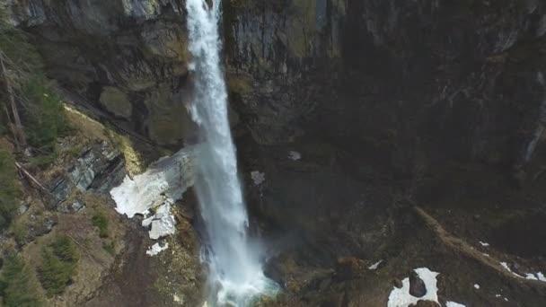 Wasserfall Kaskaden im Wald
