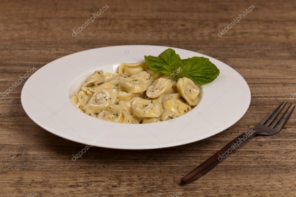 tortellini met witte saus