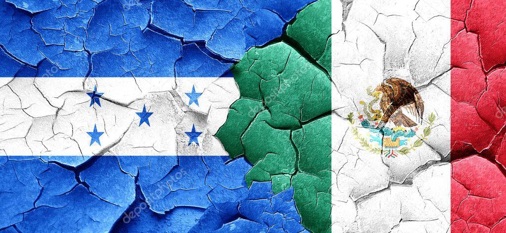 Bandera de Honduras con la bandera de México en un grunge