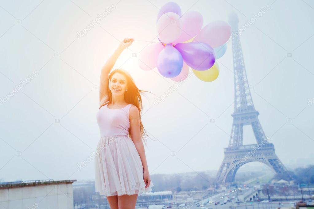 фото девушка с шариками воздушными