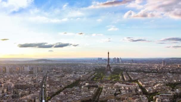 časová prodleva Paříže, nádherný letecký pohled na Eiffelovu věž