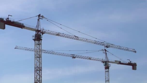 Ein Baukran in Mailand, Italien