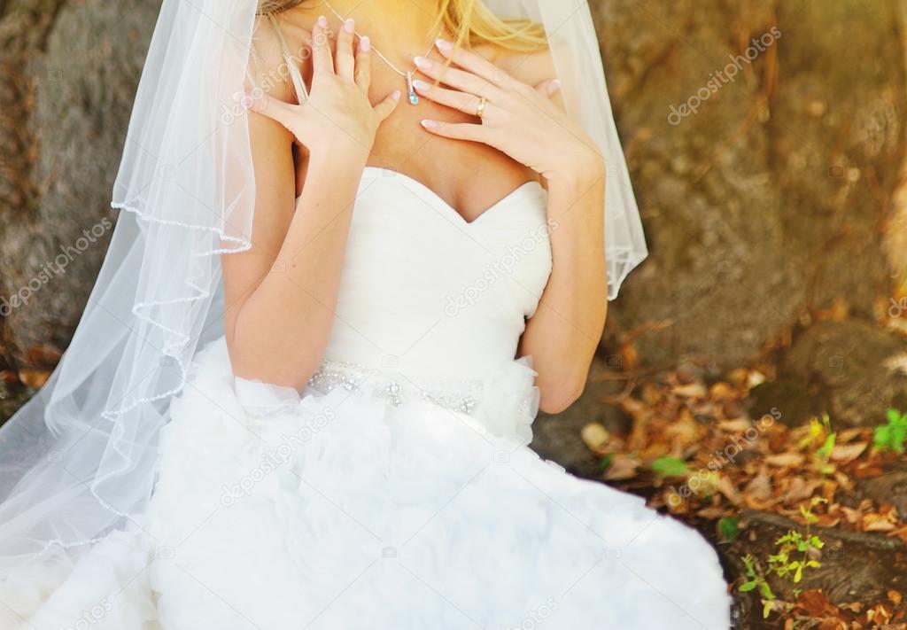 schönes weißes Kleid — Stockfoto © manifeesto_v #53927319