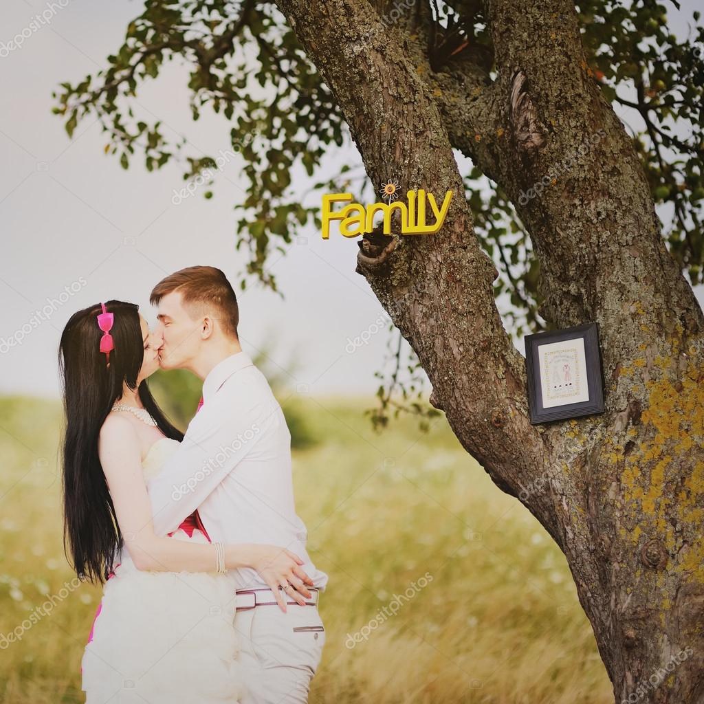 Сделаны домой муж и жена поцелуи трансы москва снять