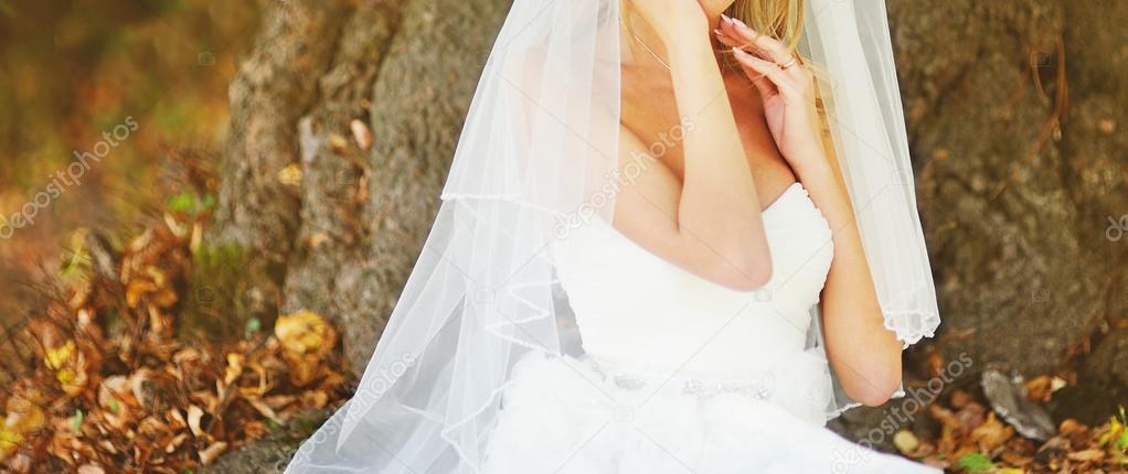 schönes weißes Kleid — Stockfoto © manifeesto_v #53928457