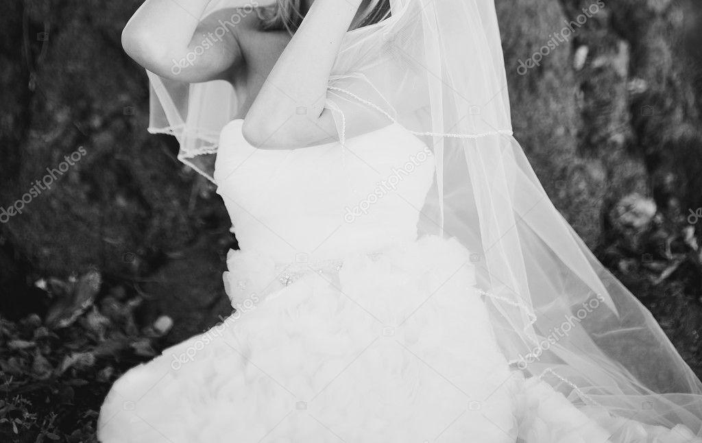 schönes weißes Kleid — Stockfoto © manifeesto_v #57136757