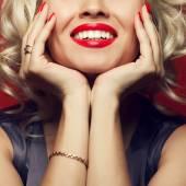 Fotografie Materiál dívka a femme fatale koncept. Marilyn Monroe, Madonna styl