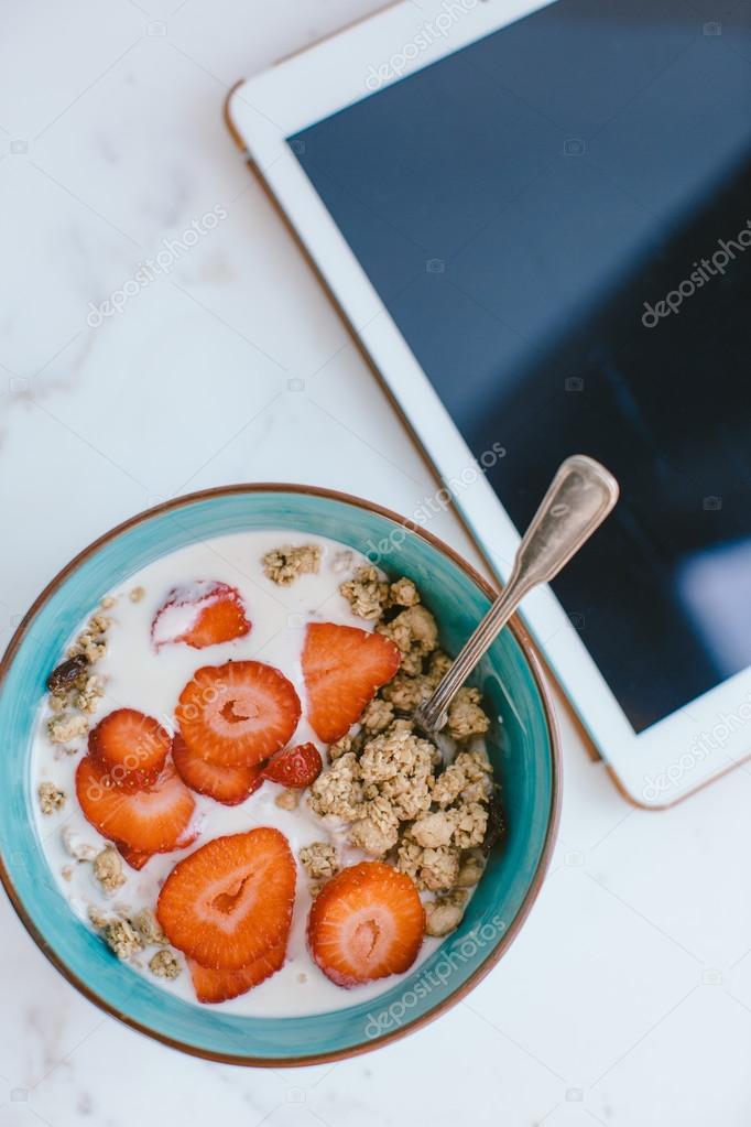 Deliziosa colazione sana e ridurre in pani digitale sul for Piani colazione