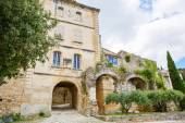 Zobrazit na Provence vesnice střechy a krajinu