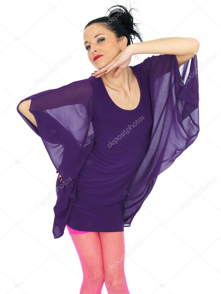 Hermosa joven con vestido de fiesta corto — Fotos de Stock ...