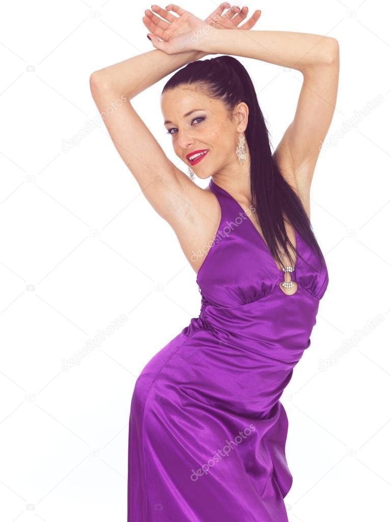 Atractiva joven Sexy con un vestido de noche púrpura — Foto de stock ...