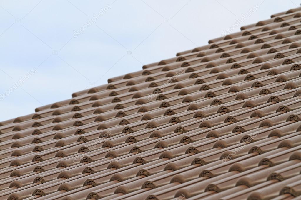 Piastrelle in plastica la casa nuova e il cielo u2014 foto stock