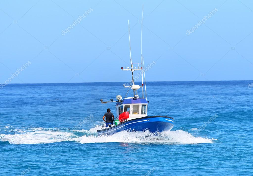 Patrol boat near Reunion coast