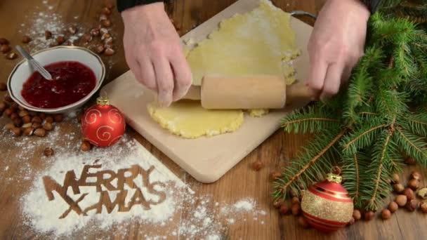 Karácsonyi sütési folyamat péksütemények Merry X-mas. Süti.