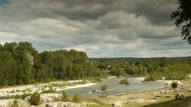 Řeka Gardon v Pont du Gard