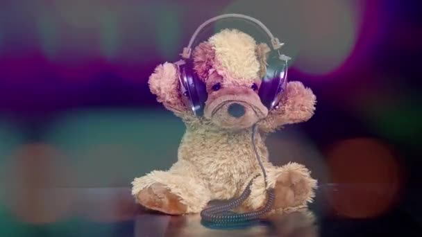 Teddy kutya mozgó körül fülhallgató