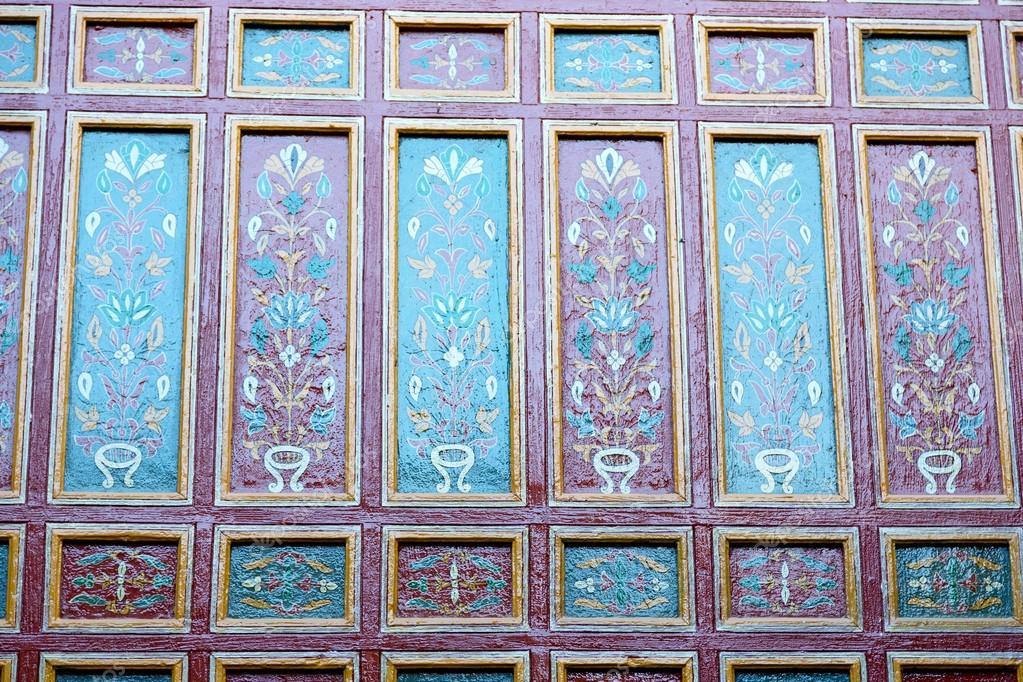 Linea in marocco africa vecchia piastrella colorated pavimento