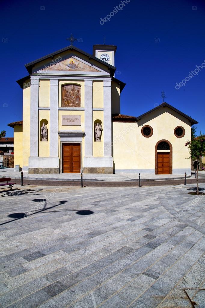 Cairate varese vecchio muro terrazza guarda chiesa Campanile — Foto ...